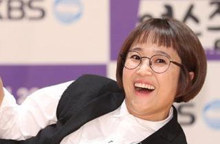 """'판 깔아주는 여자' 송은이 """"웃길 수 있는 자리 많이 생기길"""""""