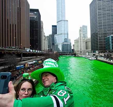 시카고江이 초록색으로 변한 까닭은?