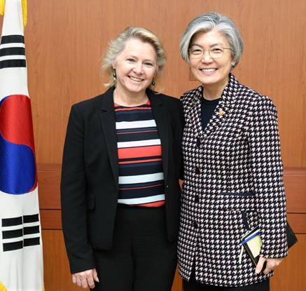 강경화 장관, 손턴 미 국무부 차관보 대행 접견