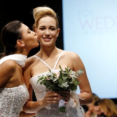 이탈리아 '레인보우 웨딩 패션쇼'