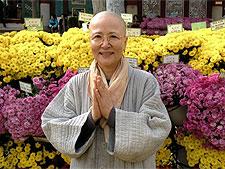 '생활 선' 안내서 펴낸 유명가수 출신 비구니 스님