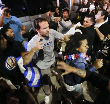 트럼프 유세 뒤 난투극…反트럼프 시위대-지지자 '충돌'