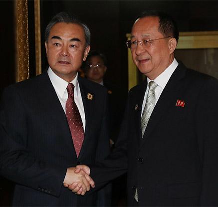 북중 외교수장 라오스서 회담…ARF 계기 2년만에 만나