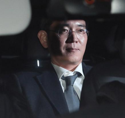 [이재용 구속]특검 '재시도' 끝 이재용 구속…朴대통령 수사 '급물살'