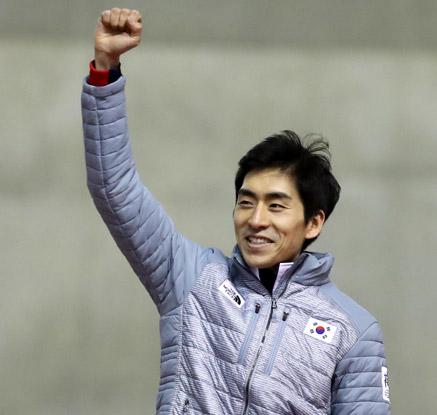 [삿포로 AG] 이승훈, 빙속 5,000m 금메달…아시아 신기록