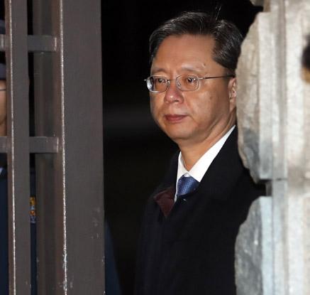 '최순실 비호·직권남용' 우병우 영장기각…수사 '급제동'