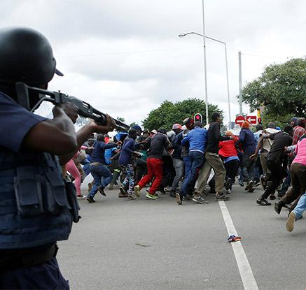 """남아공서 반이민 폭력 시위…""""이민자들이 일자리 빼앗아"""" 불만"""