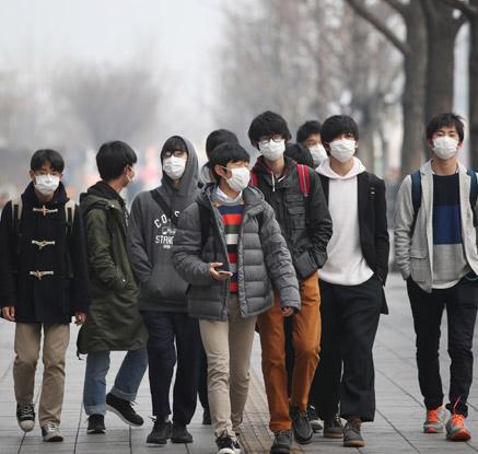 대한민국은 마스크 공화국?…미세먼지가 만들어낸 진풍경