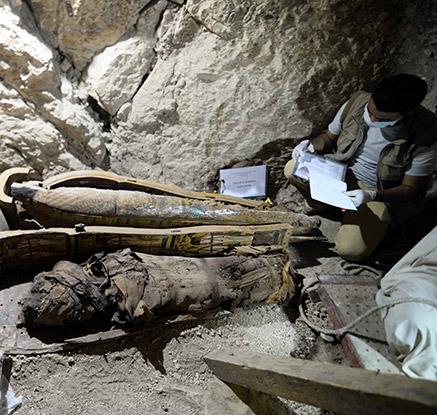 이집트 고대도시 룩소르서 3천500년 된 미라·유물 무더기 발견