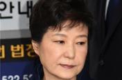 박근혜 재판 5월 첫주 시작…'구원투수' 변호인 3명 합류