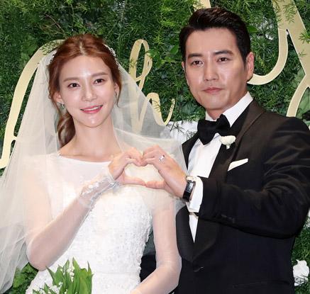 '행복하게 잘 살겠습니다'…주상욱♥차예련 결혼