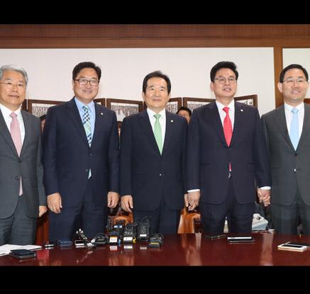 靑, 이낙연 총리인준 총력전…국회 오늘 李인준 시도