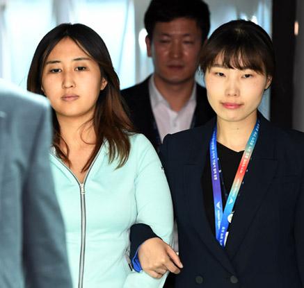정유라, 도피 245일 만에 강제 소환…서울중앙지검으로 압송