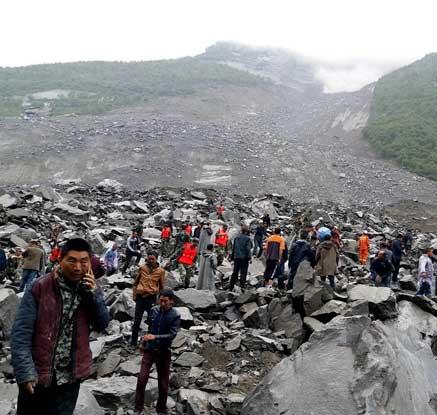 中 쓰촨성 산사태로 140명 이상 매몰