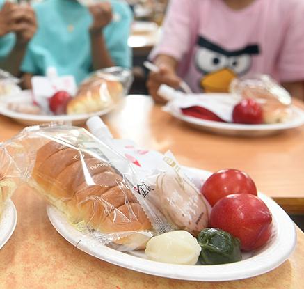 급식실 마비에 밥 대신 빵으로…일부 학교는 단축수업