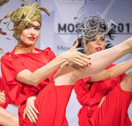 '패션의 완성은 모자?' 러시아 모자 패션쇼