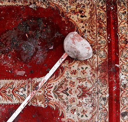 아프간 이슬람 사원 2곳서 자살폭탄 테러…최소 63명 사망