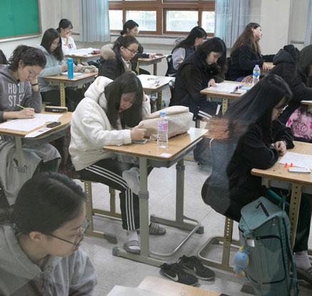 2018 수능 일제히 시작…포항 여진은 '잠잠'