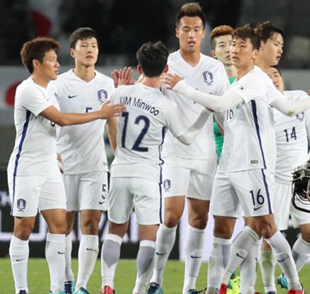한국 축구, 동아시안컵 남북대결서 상대 자책골로 1-0 승리