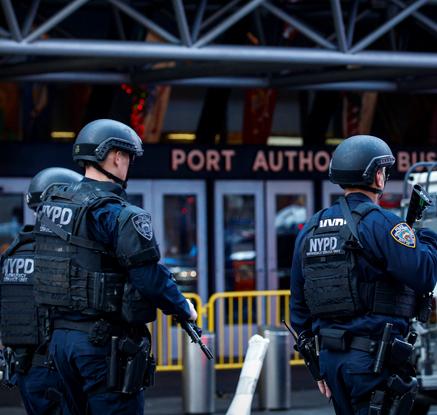 美 맨해튼 중심가서  원시적'폭탄 테러'…용의자 포함 4명 부상