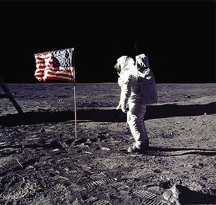 '영화 마션 현실로?'…트럼프, 달·화성 유인탐사 재개 지침 서명