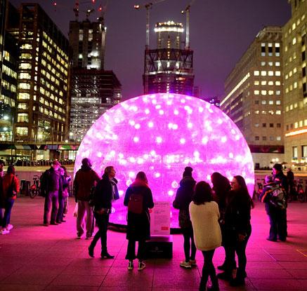 '도심 속에서 즐기는 겨울빛'…영국 카나리워프 라이트 축제