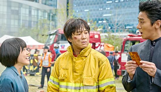 韩国票房:《与神同行》观影超1300万 跻身韩影第五