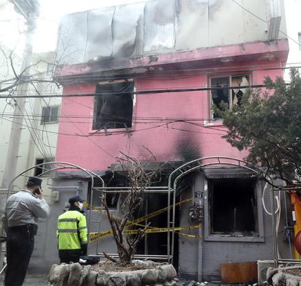 '투숙거부에 홧김 방화'…서울 종로 여관 화재로 5명 사망