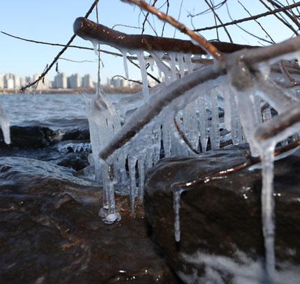 다시 찾아온 북극 한파…전국이 꽁꽁 얼었다