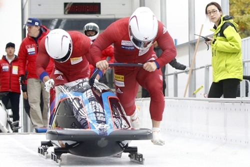 Bobsleigh tandem look to end roller coaster ride on high note