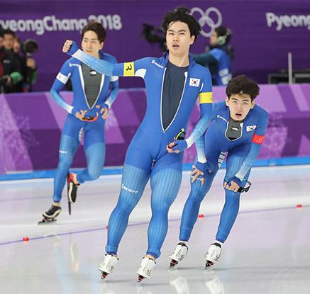 남자 팀추월 결승 진출…은메달 확보
