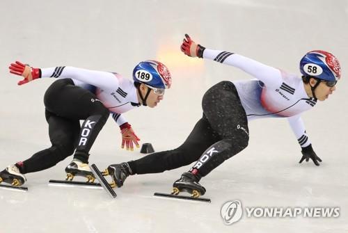 (PyeongChang 2018) (AMPLIACIÓN)- Hwang Dae-heon se lleva la medalla de plata y Lim Hyo-jun la de bronce en los 500 m masculinos sobre pista corta