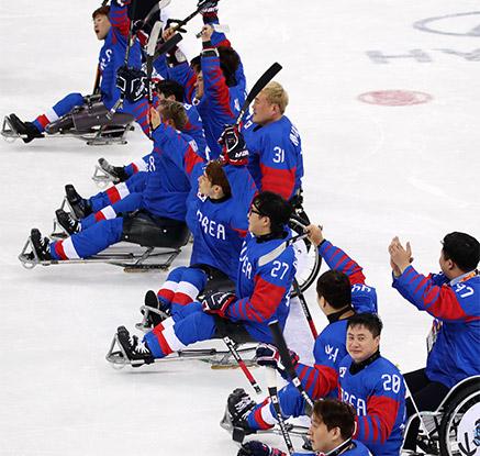 '해냈다' 패럴림픽 아이스하키, 사상 첫 동메달 쾌거