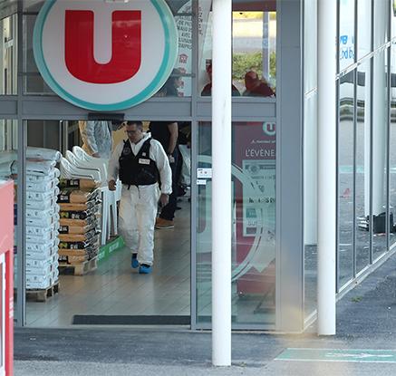 佛 슈퍼마켓 인질극으로 3명 사망…IS 배후 자처