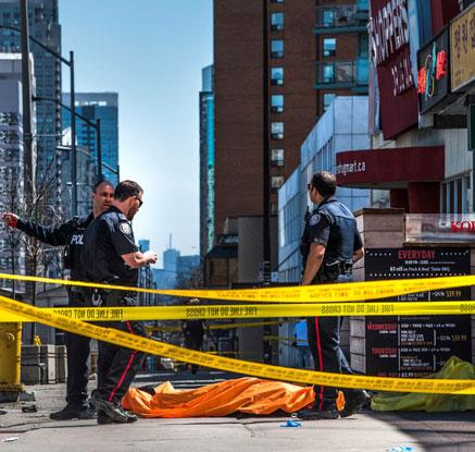 '대낮 참극' 캐나다 토론토서 승합차 인도 돌진…테러 가능성 조사