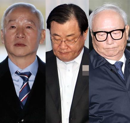 """'특활비 상납' 국정원장 3명 징역 5∼7년 구형…""""죄의식 없어"""""""