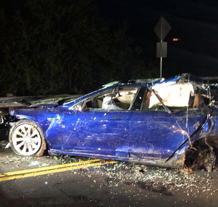 테슬라 차 사고로 운전자 사망…자율주행 여부 불분명