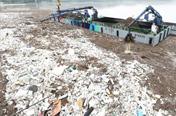 기록적 '5월 폭우'에 팔당호 부유쓰레기 700t