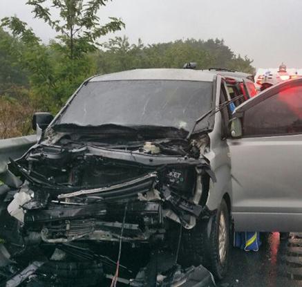 KBS 예능 촬영팀 고속도로 사고…PD 등 5명 부상