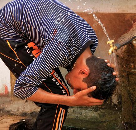 '얼마나 더웠으면…' 파키스탄 폭염에 최소 65명 사망