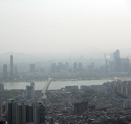 황사 덮친 서울 하늘