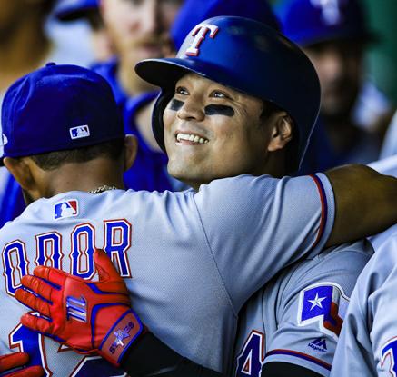 추신수, 1회 선두타자 홈런…32경기 연속 출루
