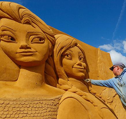 모래조각으로 만난 디즈니 캐릭터들