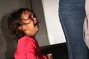 美 눈물의 국경사진 속 온두라스 2살 소녀, 엄마와 함께 지내