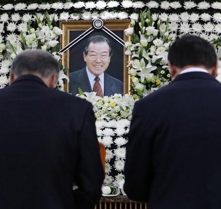 故 김종필 빈소 이틀째 각계 인사 조문행렬