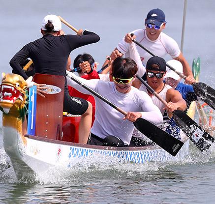 북측 선수들 기다리며 훈련하는 카누용선 대표팀