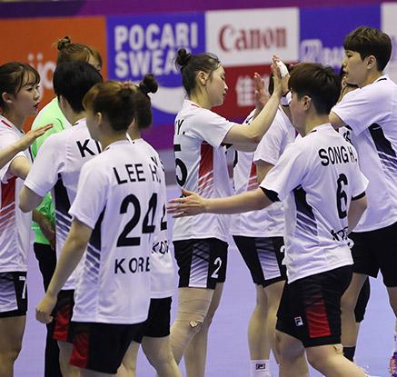 한국 여자 핸드볼, AG 첫 남북 대결서 승리