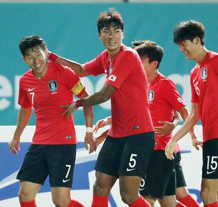 손흥민 후반 18분 결승골…한국, 키르기스에 1-0 승리 '조2위 16강'