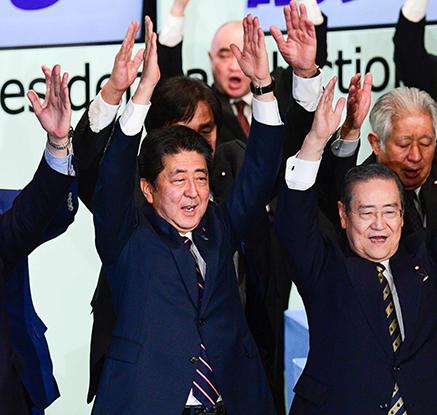 아베 자민당 총재선거 승리…총리직 계속