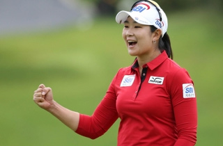 여자 골프 '장타여왕' 김아림, 3년 만에 생애 첫 우승